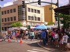 Crowds of people enjoying the Craft Fair & Street Festival along Waialae Ave!